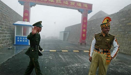 संरक्षणदृष्ट्या प्रगती... भारताची आणि चीनची