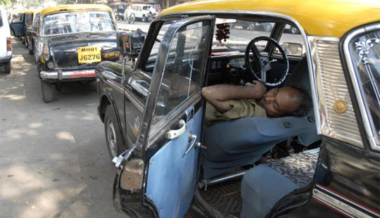 <b><font color=red> ब्लॉग</font></b> टॅक्सी भाडे नाकारल्यास लायसन्स होऊ शकतं रद्द पण...