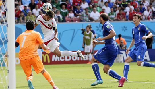 <B> <font color=red>फिफा 2014 : </font></b>कोस्टा रिकाकडून इटली 1-0ने पराभूत
